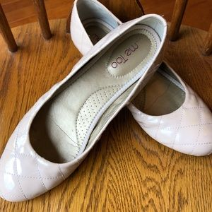 Me Too Quilted Flats size 10 Patent Leather
